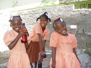 3 school girlspww-haiti-sep-07-2 009